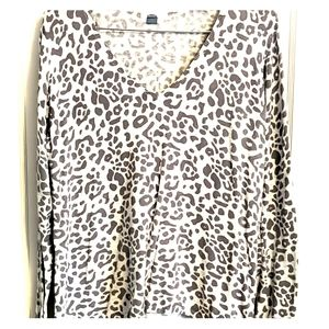 Old Navy Gray Leopard Print Sweater
